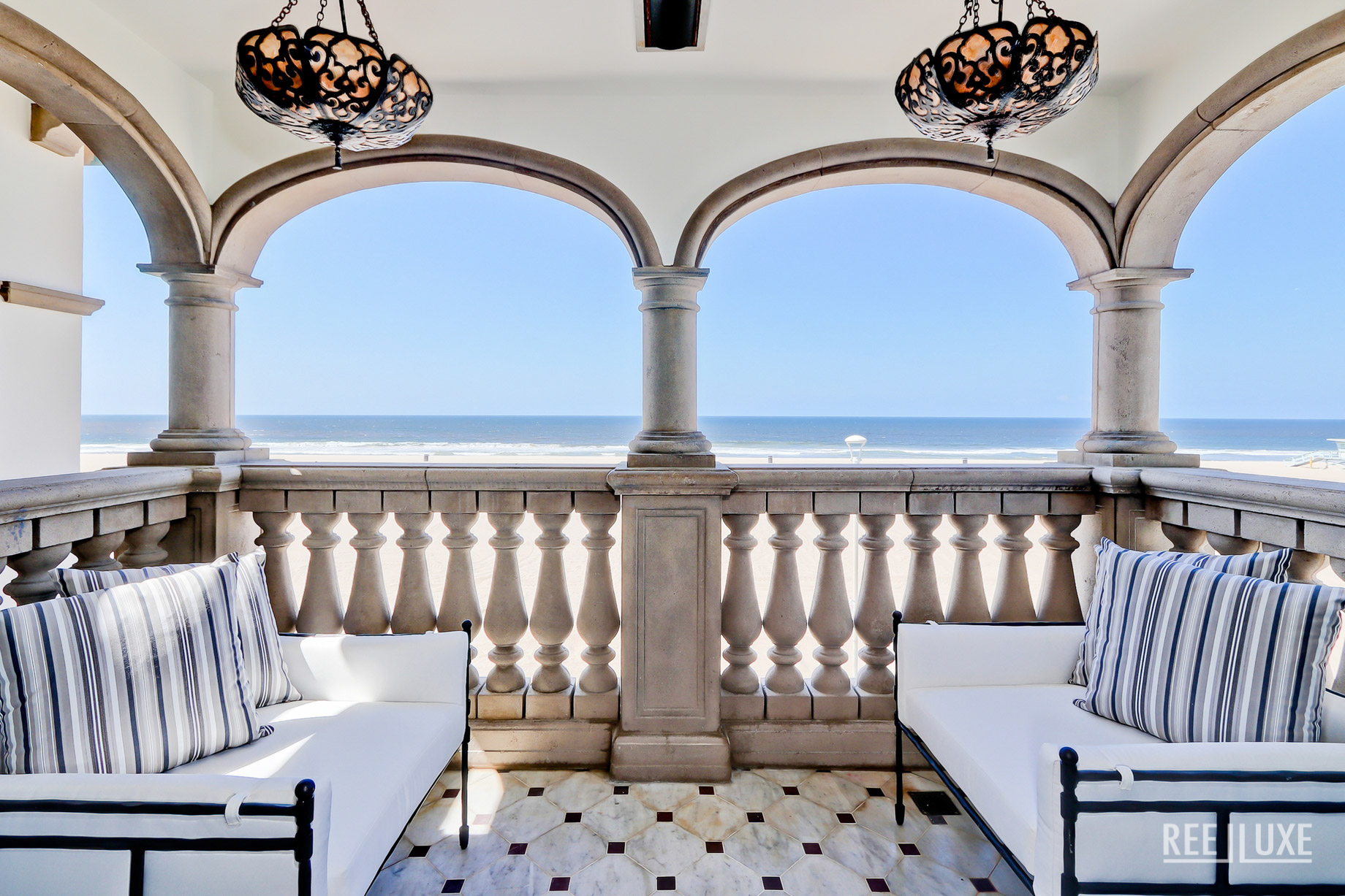 Oceanfront Luxury Exemplified - 2806 The Strand, Hermosa Beach, CA, USA - Master Balcony