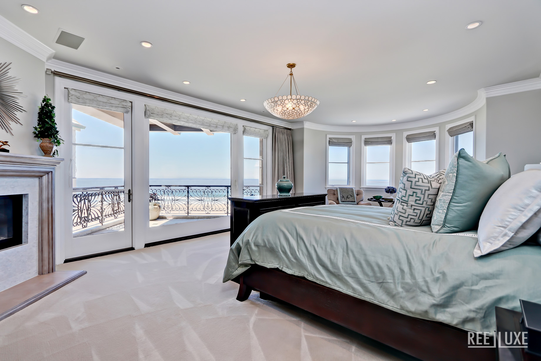 Ultimate California Luxury Living - 1920 The Strand, Manhattan Beach, CA, USA - Master Bedroom