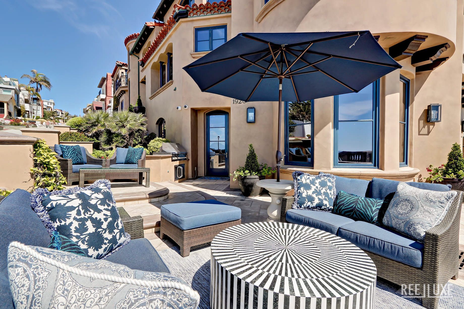 Ultimate California Luxury Living - 1920 The Strand, Manhattan Beach, CA, USA - Front Patio