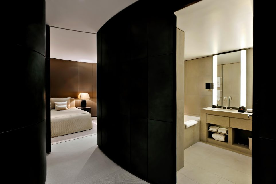 Armani Hotel Dubai - Burj Khalifa, Dubai, UAE - Armani Fountain Suite Bathroom