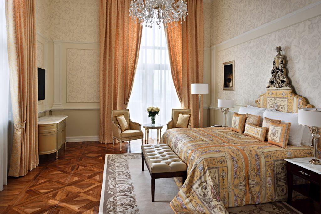 Palazzo Versace Dubai Hotel - Jaddaf Waterfront, Dubai, UAE - Signature Suite Bedroom