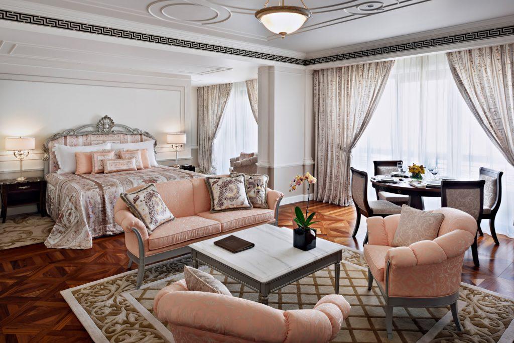 Palazzo Versace Dubai Hotel - Jaddaf Waterfront, Dubai, UAE - Junior Suite Bedroom