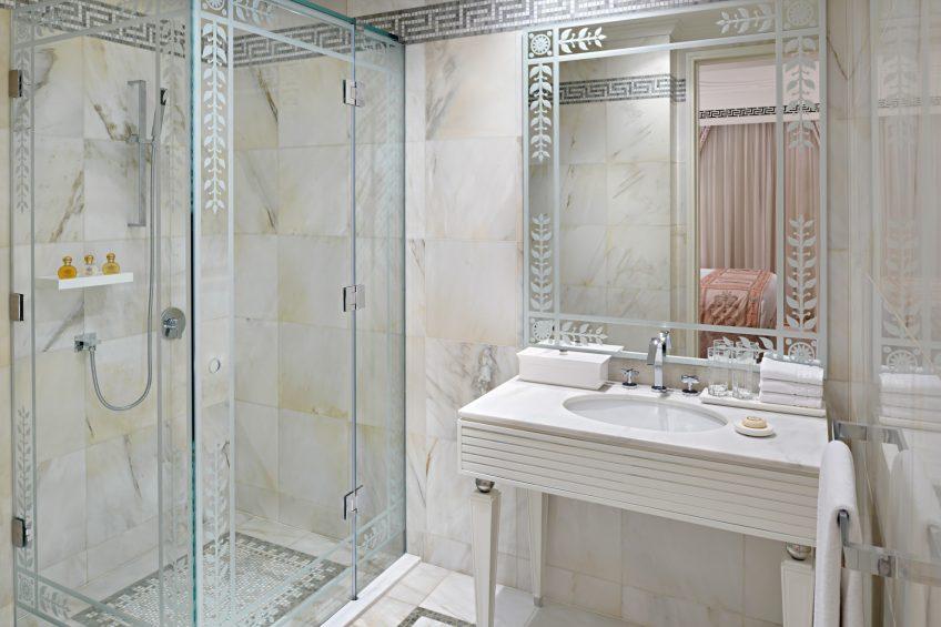 Palazzo Versace Dubai Hotel - Jaddaf Waterfront, Dubai, UAE - 2 Bedroom Residence Bathroom
