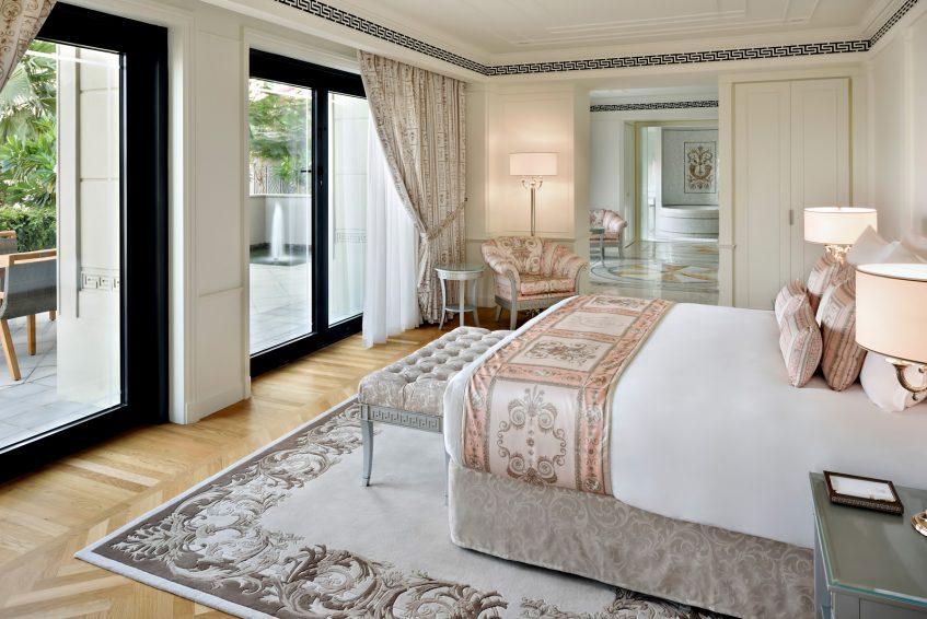 Palazzo Versace Dubai Hotel - Jaddaf Waterfront, Dubai, UAE - 6 Bedroom Residence Master Bedroom