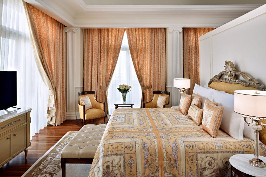 Palazzo Versace Dubai Hotel - Jaddaf Waterfront, Dubai, UAE - Palazzo Suite Bedroom