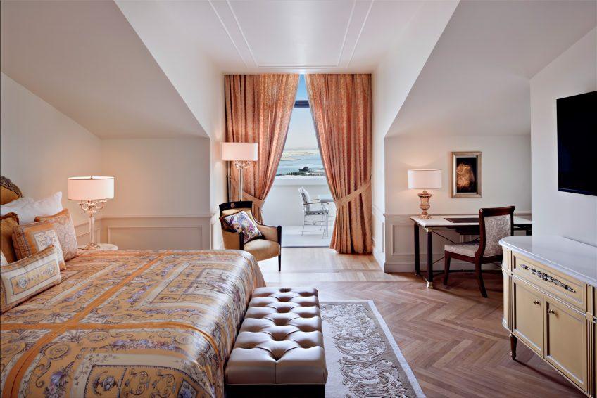 Palazzo Versace Dubai Hotel - Jaddaf Waterfront, Dubai, UAE - Permiere Versace Club Room Bedroom with Balcony