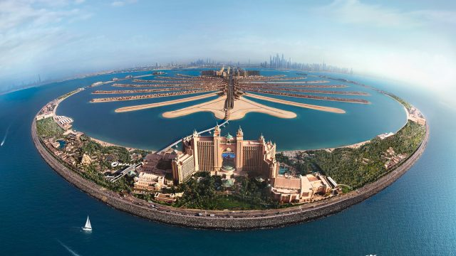 Atlantis The Palm Luxury Resort - Crescent Rd, Dubai, UAE