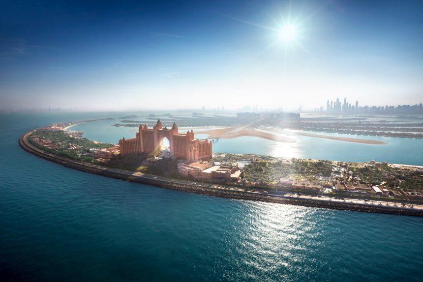 Atlantis The Palm Luxury Resort - Crescent Rd, Dubai, UAE - Resort Aerial