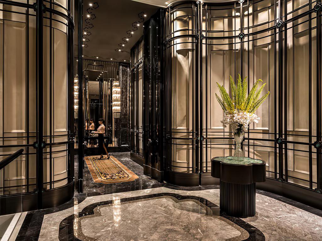 Regent Shanghai Pudong Luxury Hotel - Shanghai, China - Elevators
