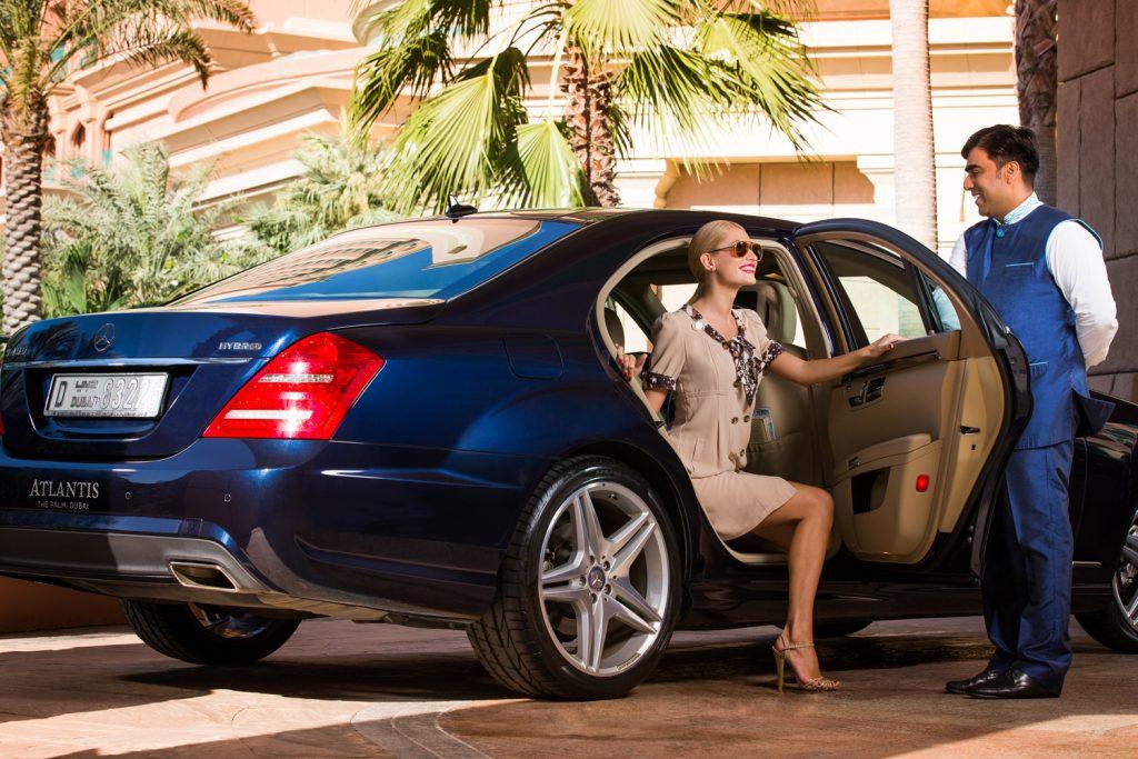 Atlantis The Palm Luxury Resort - Crescent Rd, Dubai, UAE - Guest Arrival