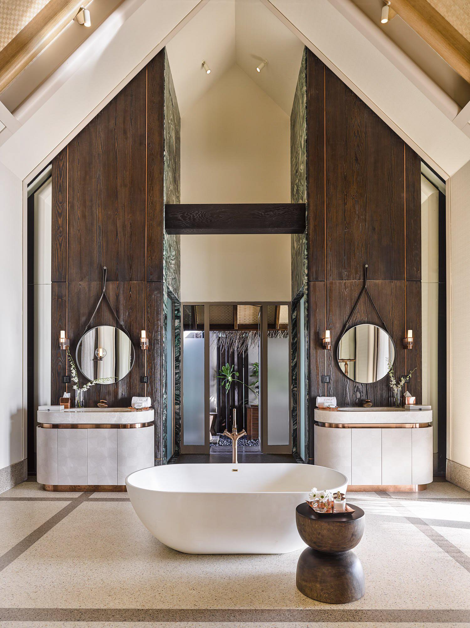 Joali Maldives Luxury Resort – Muravandhoo Island, Maldives – Water Villa Bathroom