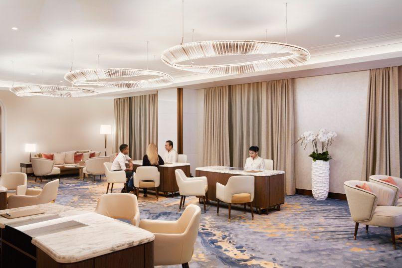 Atlantis The Palm Luxury Resort - Crescent Rd, Dubai, UAE - Check In