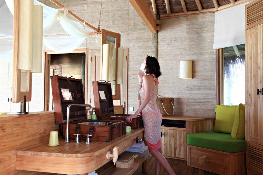 Six Senses Laamu Luxury Resort - Laamu Atoll, Maldives - Lagoon Water Villa Bathroom