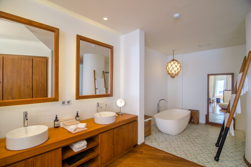 Amilla Fushi Luxury Resort and Residences - Baa Atoll, Maldives - Reef Water Villa Bathroom
