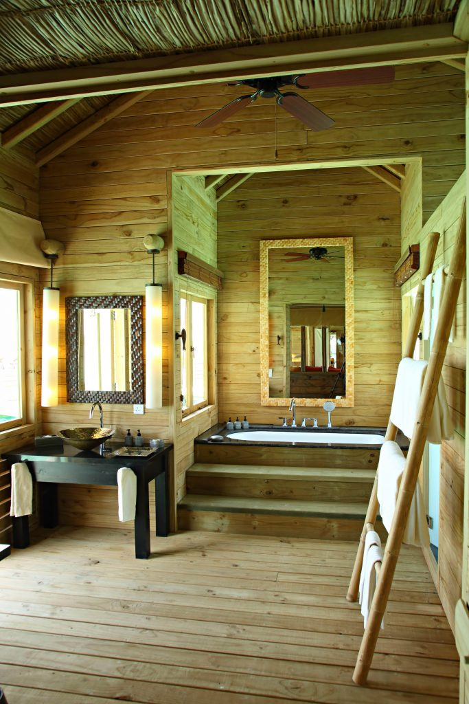 Gili Lankanfushi Luxury Resort - North Male Atoll, Maldives - The Private Reserve Master Suite Bathroom