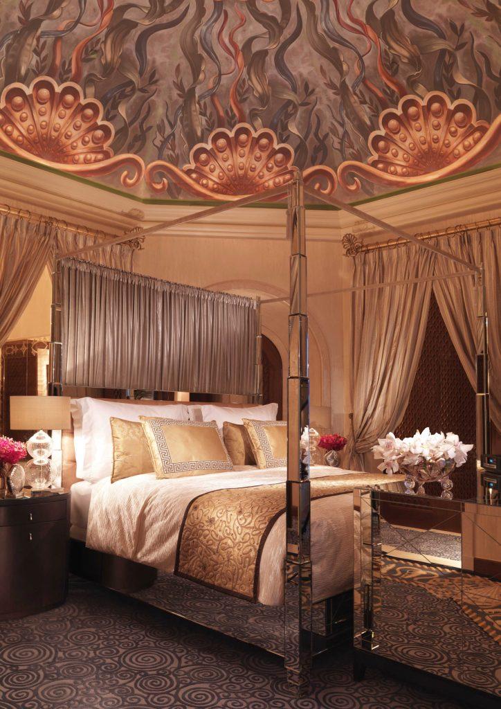 Atlantis The Palm Luxury Resort - Crescent Rd, Dubai, UAE - Royal Bridge Suite Bedroom