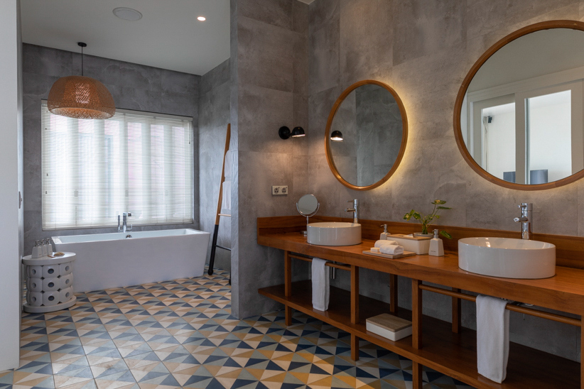 Amilla Fushi Luxury Resort and Residences - Baa Atoll, Maldives - Sunset Water Villa Bathroom