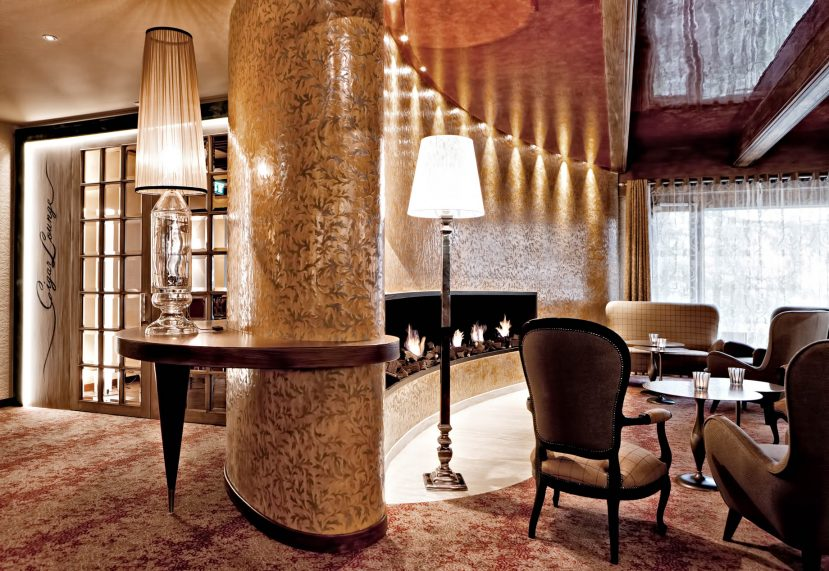 Tschuggen Grand Luxury Hotel - Arosa, Switzerland - Fireside Lounge