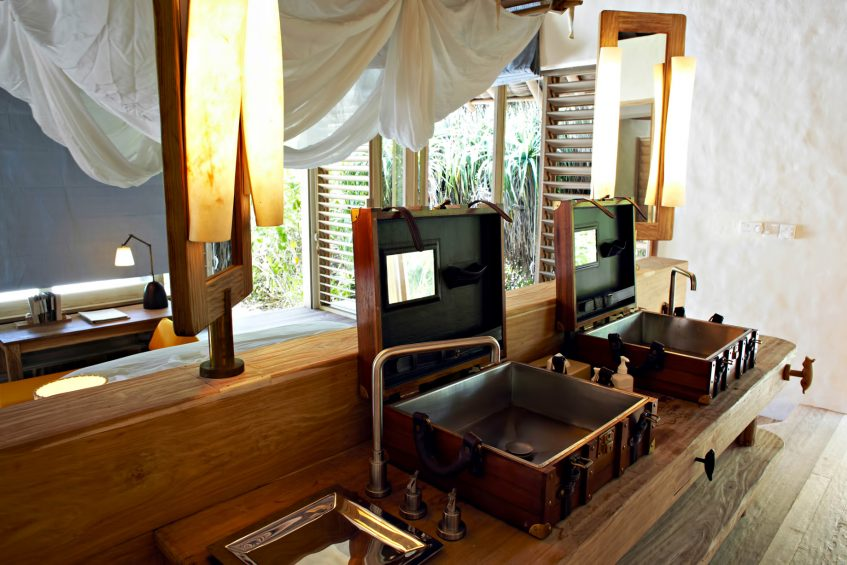 Six Senses Laamu Luxury Resort - Laamu Atoll, Maldives - Ocean Beachfront Villa Bathroom