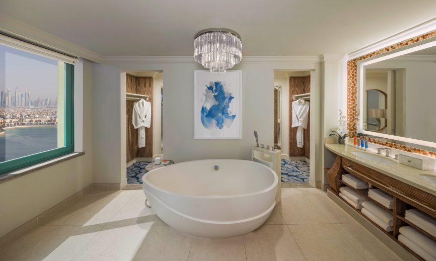 Atlantis The Palm Luxury Resort - Crescent Rd, Dubai, UAE - Executive Club Suite Bathroom