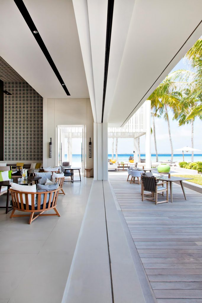 Cheval Blanc Randheli Luxury Resort - Noonu Atoll, Maldives - The White Bar Beach Club