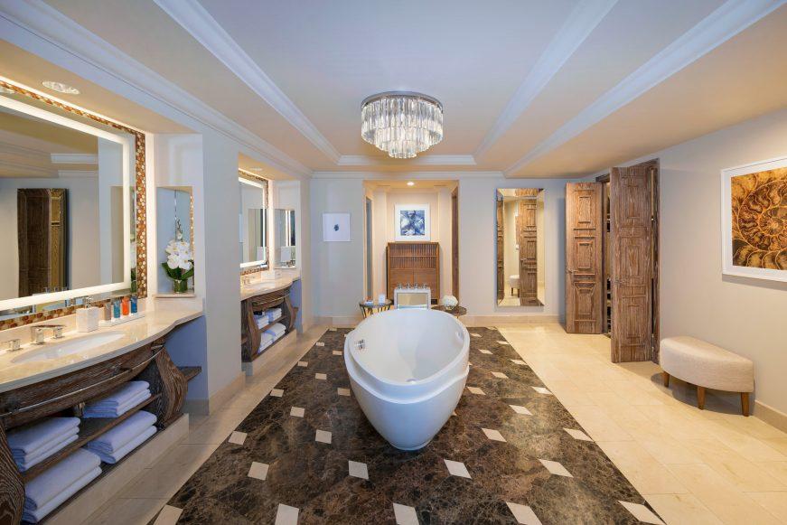 Atlantis The Palm Luxury Resort - Crescent Rd, Dubai, UAE - Regal Suite Bathroom