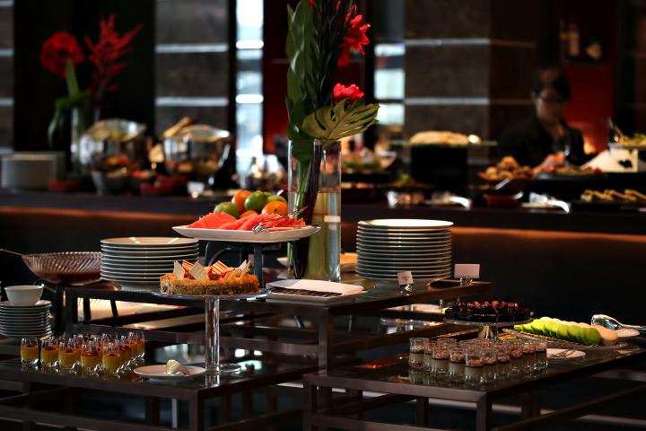 Regent Shanghai Pudong Luxury Hotel - Shanghai, China - Buffet