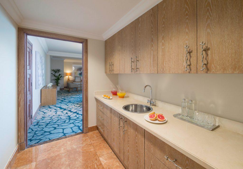 Atlantis The Palm Luxury Resort - Crescent Rd, Dubai, UAE - Regal Suite Kitchen