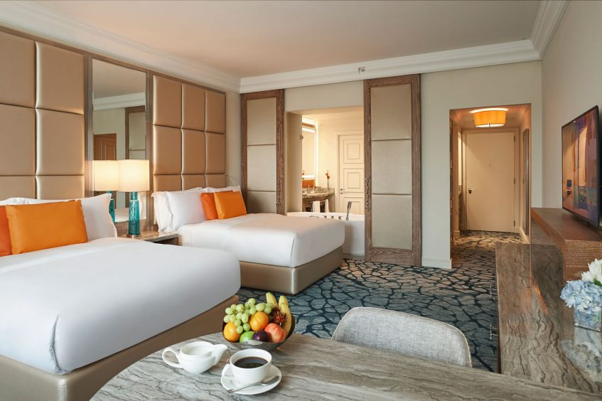 Atlantis The Palm Luxury Resort - Crescent Rd, Dubai, UAE - Ocean View Bedroom