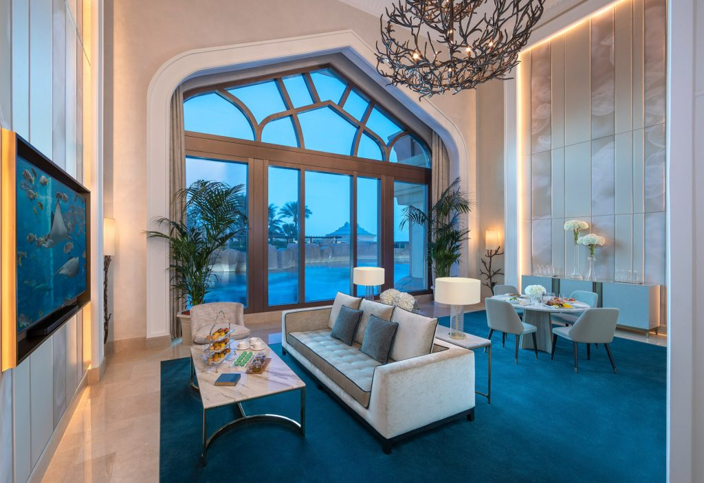 Atlantis The Palm Luxury Resort - Crescent Rd, Dubai, UAE - Underwater Suite Living Room