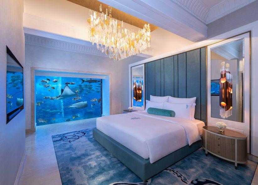Atlantis The Palm Luxury Resort - Crescent Rd, Dubai, UAE - Underwater Suite Bedroom