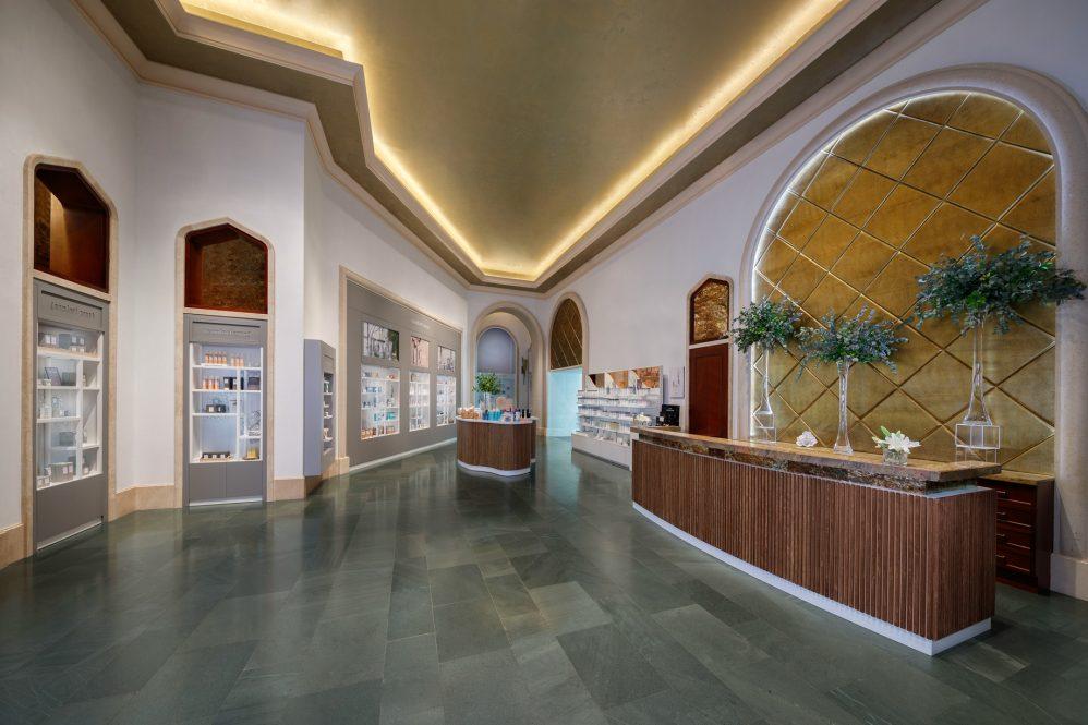 Atlantis The Palm Luxury Resort - Crescent Rd, Dubai, UAE - Spa Reception