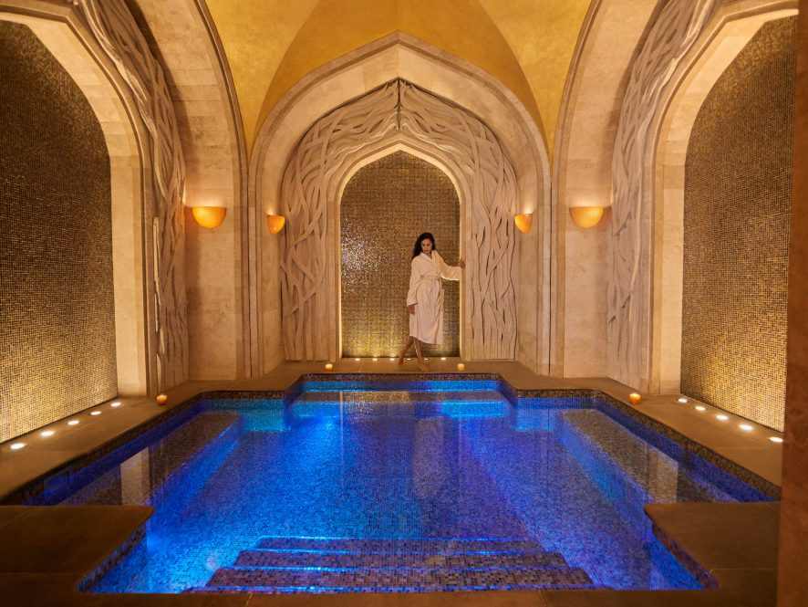 Atlantis The Palm Luxury Resort - Crescent Rd, Dubai, UAE - Spa Jacuzzi