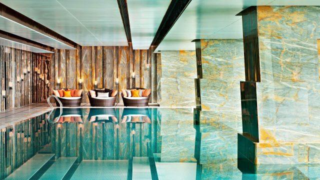 The St. Regis Shenzhen Luxury Hotel - Shenzhen, China - 75th Floor Infinity Pool
