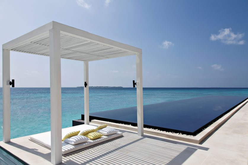 Cheval Blanc Randheli Luxury Resort - Noonu Atoll, Maldives - Spa Overwater Infinity Pool