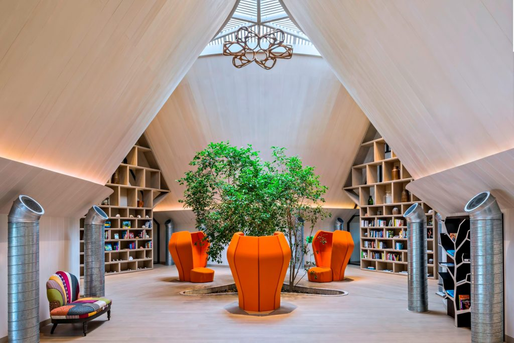 The St. Regis Maldives Vommuli Luxury Resort - Dhaalu Atoll, Maldives - Vommuli House interior