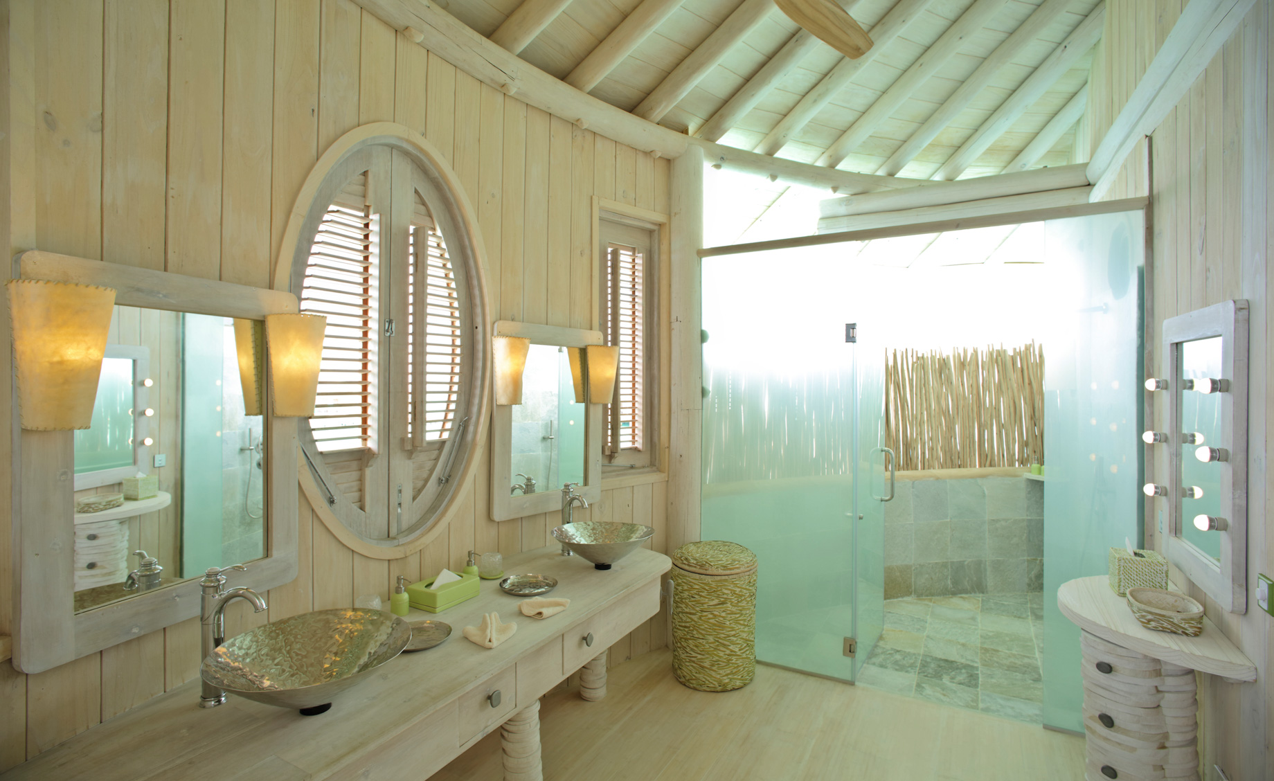 Soneva Jani Luxury Resort - Noonu Atoll, Medhufaru, Maldives - 2 Bedroom Water Retreat Villa Bathroom