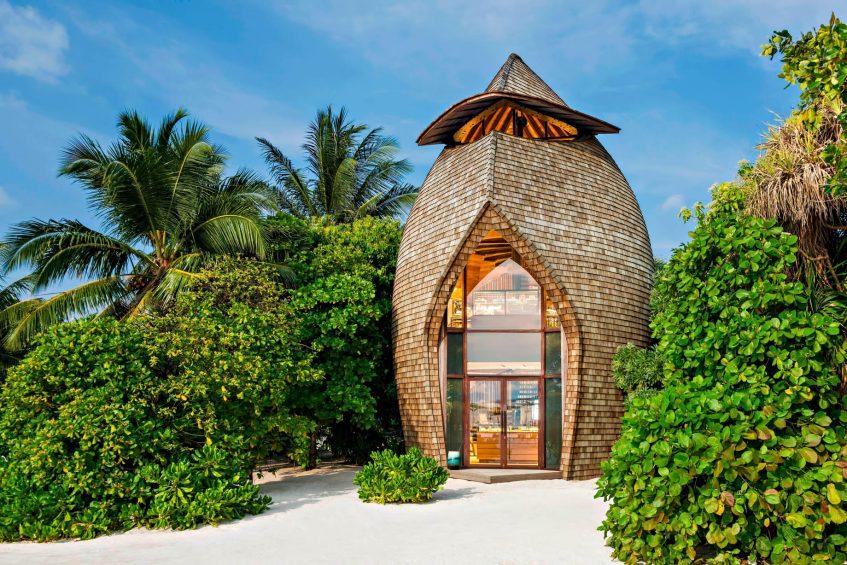 The St. Regis Maldives Vommuli Luxury Resort - Dhaalu Atoll, Maldives - St. Regis Boutique