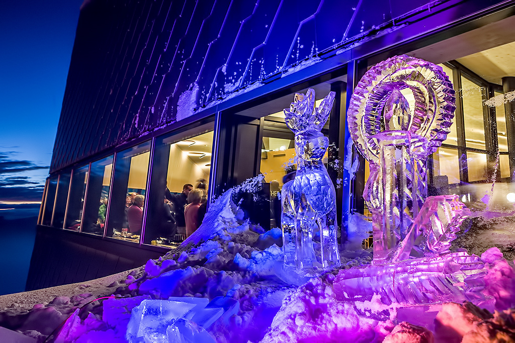 Tschuggen Grand Luxury Hotel - Arosa, Switzerland - Ice Sculptures
