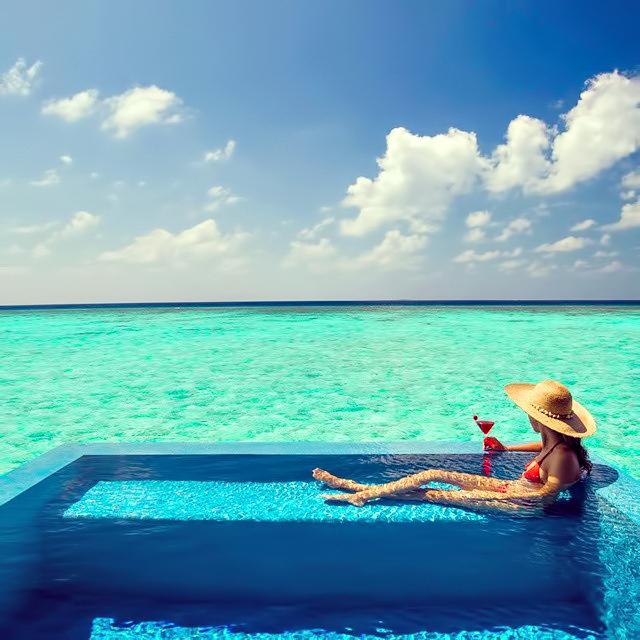 Velassaru Maldives Luxury Resort - South Male Atoll, Maldives - Over Water Pool
