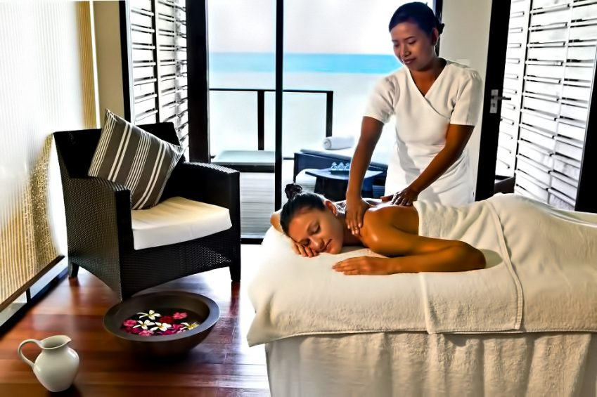 Velassaru Maldives Luxury Resort - South Male Atoll, Maldives - Massage