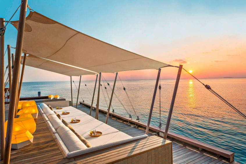 W Maldives Luxury Resort - Fesdu Island, Maldives - SIP Bar Sunset