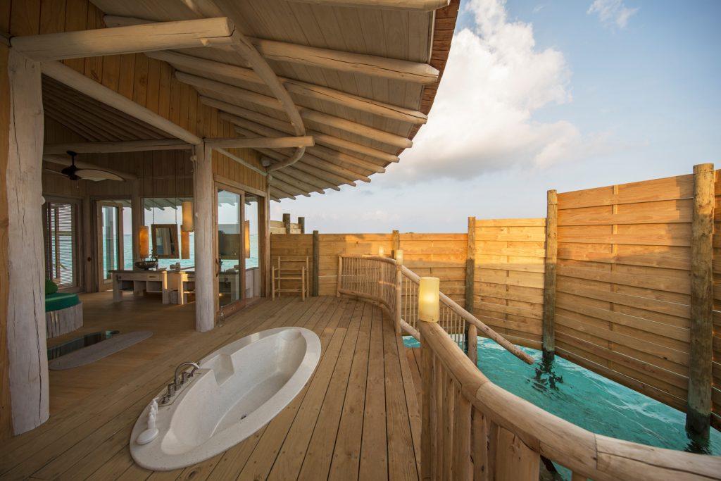 Soneva Jani Luxury Resort - Noonu Atoll, Medhufaru, Maldives - 1 Bedroom Water Retreat Villa Outdoor Overwater Soaker Tub