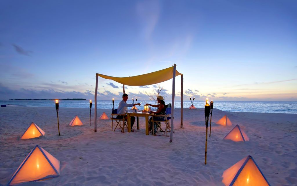 Six Senses Laamu Luxury Resort - Laamu Atoll, Maldives - Private Sandbank Dining Evening