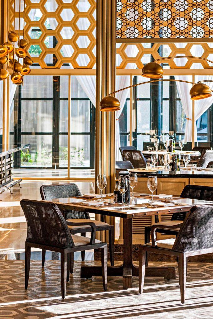The St. Regis Maldives Vommuli Luxury Resort - Dhaalu Atoll, Maldives - Alba Restaurant