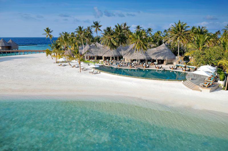 The Nautilus Maldives Luxury Resort - Thiladhoo Island, Maldives - Resort Beachfront Pool