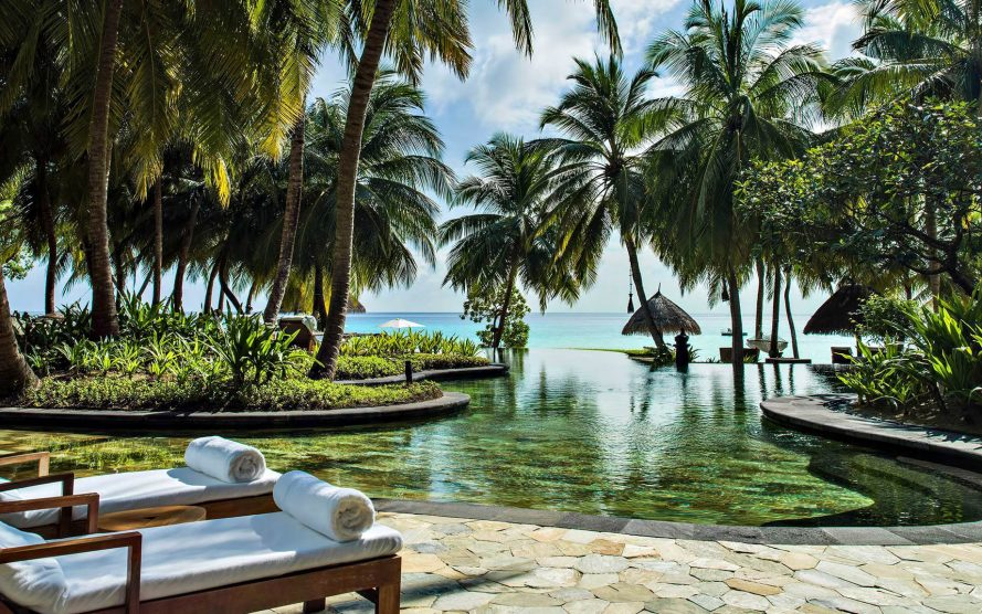One&Only Reethi Rah Luxury Resort - North Male Atoll, Maldives - Beach Club Oceanfront Pool