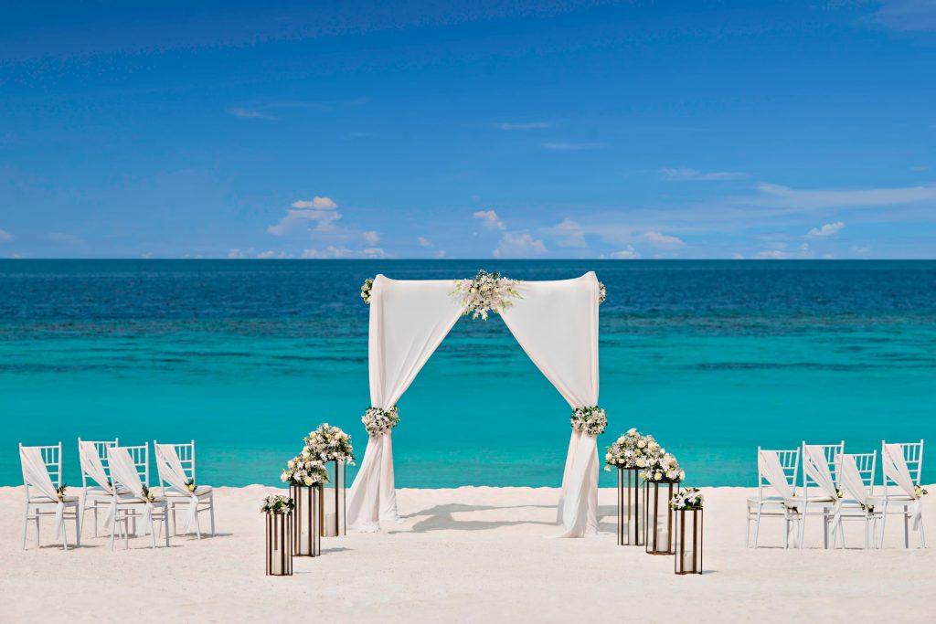 The St. Regis Maldives Vommuli Luxury Resort - Dhaalu Atoll, Maldives - Beach Wedding