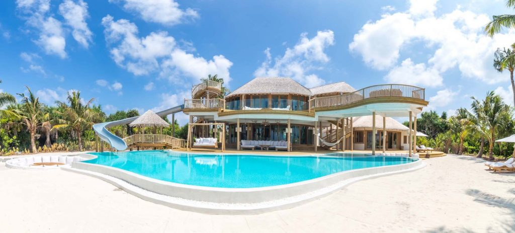 Soneva Jani Luxury Resort - Noonu Atoll, Medhufaru, Maldives - 3 Bedroom Island Reserve Villa White Sand Pool Deck