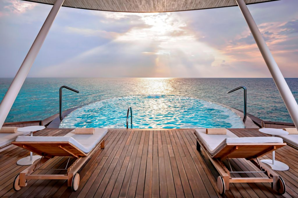 The St. Regis Maldives Vommuli Luxury Resort - Dhaalu Atoll, Maldives - Iridium Spa Pool